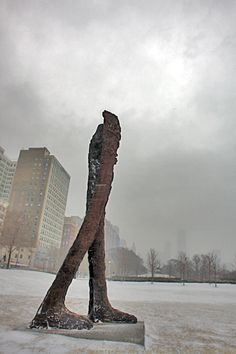 Magdalena Abakanowicz :: Agora, set of headless sculptures at Chicago [photography by Evil Vince]