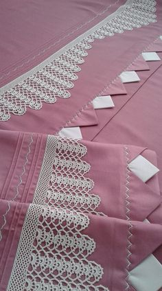 ~ Pin by Ayşe on Örgü Baby Knitting Patterns, Crochet Patterns, Wedding Table Linens, Fillet Crochet, Hardanger Embroidery, Crochet Borders, Crochet Home, Vintage Crochet, Crochet Doilies
