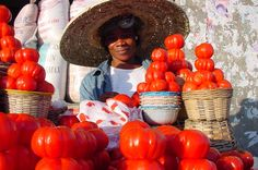 Fancy a tomato? (Tomato seller on African market, Ghanaian Market, Ghana) People Around The World, Around The Worlds, African Market, Media Influence, Accra, Thinking Day, African Safari, Gabriel Garcia Marquez, West Africa