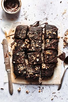 Healthy brownies with black beans / gluten free & flourless best vegan Nutella Brownies, Healthy Brownies, Cocoa Brownies, Köstliche Desserts, Delicious Desserts, Dessert Recipes, Dessert Blog, Plated Desserts, Brownie Recipes