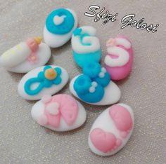 Confetti decorati con pasta di zucchero personalizzabili per ogni occasione: battesimo, compleanni, nascite, comunioni, laurea, matrimoni, anniversari…..per info contattatemi in privato.