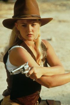 Drew Barrymore is a successful American actress and film producer. Drew Barrymore 90s, John Barrymore, Drew Barrymore Style, Hollywood Actresses, Actors & Actresses, Female Actresses, Beautiful Celebrities, Beautiful People, Westerns