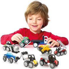 SmartMax Power Vehicles - Max and thousands more of the very best toys at Fat Brain Toys. A big attraction in building and driving fun! The magnetic design drives enthusiasm. Kids love SmartMax. SmartMax magnetic vehicles get little kids moving in exploration of construction and magnetism. Bright pieces click easily and neatly into place.