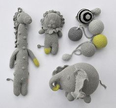 Crochet softies - love that elephant! Diy Crochet, Crochet Crafts, Crochet Dolls, Crochet Baby, Crochet Projects, Crocheted Toys, Crochet Animals, Softies, Handmade Toys