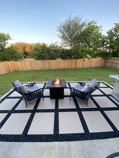 Backyard Patio Designs, Small Backyard Landscaping, Backyard Retreat, Diy Patio, Backyard Ideas, Backyard Makeover, Concrete Paver Patio, Outdoor Patio Pavers, Austin House