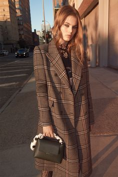Zara Midtown Warm-up 2017 Cara Taylor and Myrthe Bolt by Glen Luchford - Fashion Editorials Mode Editorials, Fashion Editorials, Coats For Women, Clothes For Women, Nyc Girl, Winter Stil, Moda Chic, Fashion Brand, Womens Fashion