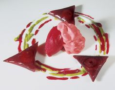 Beetroot ravioli with beetroot sorbet, pistachio and raspberry foam - El Bulli