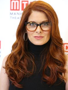 Debra Messing - how to make your hair color look good