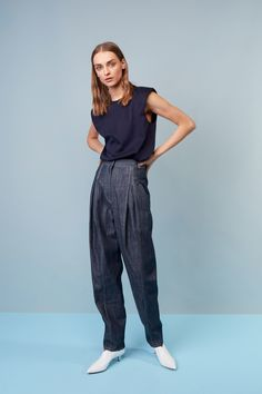 See the complete Tibi Resort 2018 collection.