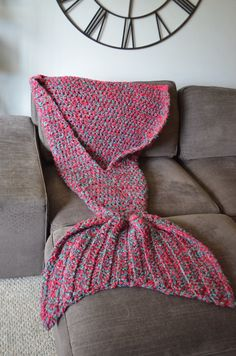 WAIT TIME 8 WEEKS Mermaid Blanket Mermaid Tail por CassJamesDesigns