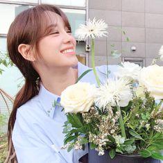 Choi Yoojung, Kim Sejeong, The Uncanny, Ioi, Crown, Pretty, Instagram, Korean, Girls