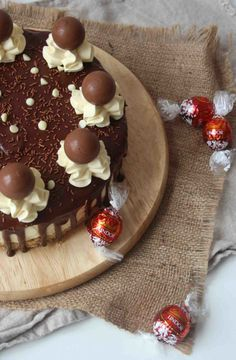 White Chocolate Lindor Cheesecake // www.scarletscorchdroppers.com
