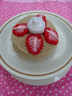 Strawberry Shortcake - free crochet pattern