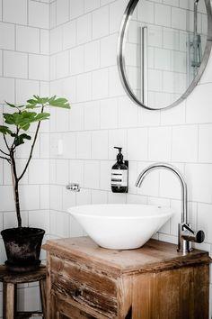 Beautiful Home Interior .Beautiful Home Interior Bad Inspiration, Bathroom Inspiration, Laundry In Bathroom, Small Bathroom, Minimal Bathroom, Washroom, Bling Bathroom, Zen Bathroom, Rental Bathroom