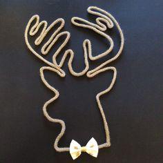 Maxi tête de cerf dorée en tricotin : Décorations murales par vanilleetvega Loom Knitting, Knitting Patterns, Art Decor, Decoration, Diy Origami, Cotton Rope, Textiles, String Art, Diy Cards