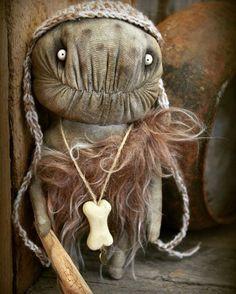 Primitive man Adopted  Дом нашёл  #@textile.heart  #textileheart #artdoll #arttoy #monster #monsters #handmade #Halloween #сайфийдиноваирина #пещерныелюди #пещерный #монстр #чердак #чердачнаякукла #авторскаякукла #авторскаяработа