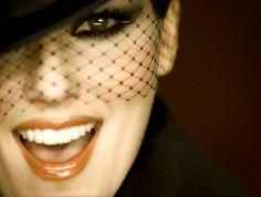 Shania Twain teeth