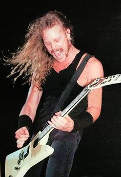 *Me, Myself and Lenne* *Metallica' fan since *Colorada since I born* *Don't expect to see here photos of Metallica already known. Jason Newsted, Cliff Burton, Robert Trujillo, Metallica, Cliffs Tattoo, Rock Music, My Music, James Hetfield Guitar, James 10