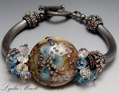 Just unbelievable gorgeousness!  Beads and jewellery by Lydia Muell.