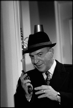 52762216-as-lt-theo-kojak-american-actor-telly-savalas-gettyimages.jpg (402×594)