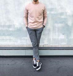 #ootd #ootdmen #street #streetstyle #stylemen #look #style #fashion #fashionista #men #menswear #menstyle #mensstyle #menfashion #mensfashion #instafashion #supreme #moda #instadaily #fashionpost #zara #pants #knit #pinktop #pink #outfitoftheday #outfit #greytrousers #vansoldskool #cos