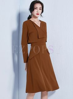 Shop Turn Down Collar Stitching Knee-length Dress at EZPOPSY. Dress Outfits, Casual Dresses, Fashion Dresses, Elegant Outfit, Classy Dress, Classy Clothes, Latest Dress Trends, Cocktail Outfit, Brown Dress