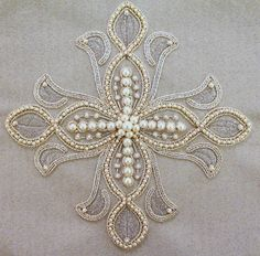 Awesome Most Popular Embroidery Patterns Ideas. Most Popular Embroidery Patterns Ideas. Russian Embroidery, Pearl Embroidery, Tambour Embroidery, Cross Stitch Embroidery, Embroidery Patterns, Machine Embroidery, Cross Stitching, Tambour Beading, Bordados Tambour