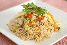 Fried bee hoon by wiffygal, via Flickr