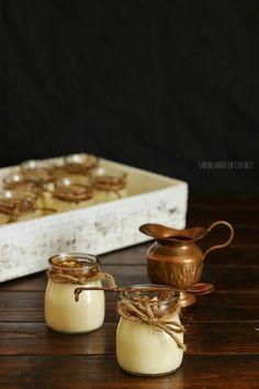 SABOREANDO EN COLORES: Mousse de chocolate blanco con salsa toffe