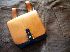 Drive By :: HERZ Custom Leather EDC Pouch | Carryology
