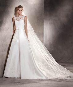 Pronovias, AITZIBER - Wedding Dresses at Jaehee Bridal Atelier