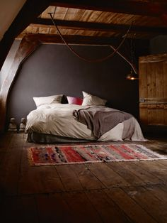 Meditation Bedroom – Bed, Carpet and Buddah
