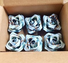 Money roses for wedding Origami Flower Bouquet, Origami Rose, Money Flowers, Paper Flowers, Money Creation, Money Rose, Money Bouquet, Folding Money, Money Origami