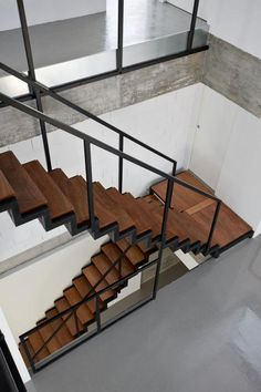 More House - Castro Urdiales, Spain - 2012 - Acha Zaballa Arquitectos . Those are some sexy stairs New Staircase, Staircase Design, Black Staircase, Detail Architecture, Interior Architecture, Stairs Architecture, Wc Decoration, Living Haus, Steel Stairs