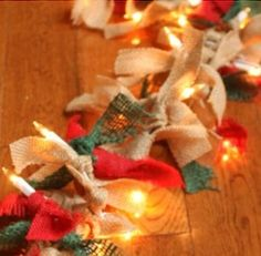 Give your home a cozy makeover with these rustic Christmas decorations without breaking the bank. There are indoor and outdoor DIY Christmas decor ideas Spode Christmas Tree, Christmas Wall Art, Rustic Christmas, Handmade Christmas, Christmas Crafts, Christmas Ornaments, Christmas Wreaths, Christmas Projects, Holiday Crafts