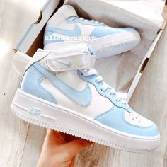 Dr Shoes, Cute Nike Shoes, Swag Shoes, Cute Sneakers, Nike Air Shoes, Hype Shoes, Nike Custom Shoes, Sneakers Nike, Nike Shoes Outfits