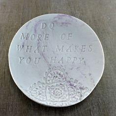 Assiette citation, assiette marbre, cadeau citation, coupelle marbre, céramique plat marbré, argile marbrée, céramique violette