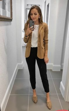 Business Casual Outfits For Work, Business Professional Outfits, Business Outfits Women, Stylish Work Outfits, Work Casual, Fall Business Attire, Business Casual Interview, Casual Friday Work Outfits, Office Wear Women Work Outfits
