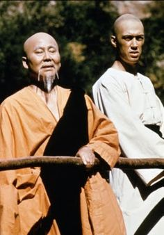 1972 Kung Fu Grasshopper Kwai Chang Caine with master Po Kung Fu, Radios, Mejores Series Tv, Cinema, Vintage Television, Martial Artists, Old Shows, Vintage Tv, Old Tv