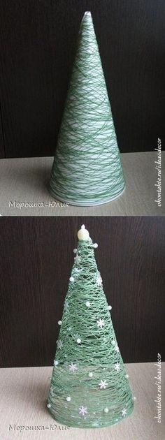 Un árbol navideño de hilo para la mesa - #AdornosNavideños, #DecoracionNavideña, #Navidad http://navidad.es/12888/un-arbol-navideno-de-hilo-para-la-mesa/: