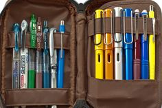 Pen case - Maybe someday I'll have enough fountain pens to fill it! Moleskine, Jet Pens, Stationery Pens, Fountain Pen Ink, Pen Case, Pen And Paper, Writing Instruments, Drawing Tools, Illustration