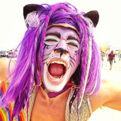 10 music festival must-haves to elevate the experience Festival Costumes, Festival Outfits, Festival Fashion, Festival Style, Festival Must Haves, Purple Fashion, Eclectic Style, Male Face, Burning Man