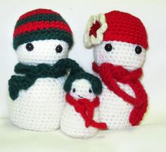 Where the Pixies Roam: Free Crochet Amigurumi Pattern - Christmas Snowman & Family ~ free pattern