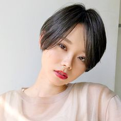 Straight short hair for adults Stunning Women, Pixie Cut, Hair Inspo, Bob Hairstyles, Hair Goals, New Hair, Asian Beauty, New Look, Short Hair Styles
