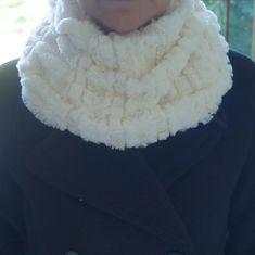 Fur scarf, Ivory/cream faux fur neckwarmer, Plush cowl, collar