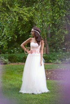 Ivory rustic layered tulle natural waist A line floor length wedding dress 4