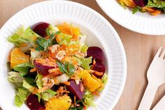 Take the best produce of summer produce and chop up a tangy salad of beetroot and orange. Heart Healthy Recipes, Delicious Vegan Recipes, Whole Food Recipes, Dinner Recipes, Cooking Recipes, Yummy Food, Chopped Salad Recipes, Cholesterol Lowering Foods, Food Tasting