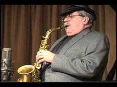 Philip Wells Woods (Philip Wells Woods, Springfield, de Massachusetts, 2 de noviembre de 1931) es un músico estadounidense de jazz, saxofonista alto y clarinetista; también ha tocado ocasionalmente el soprano. Se encuadra en la corriente estilística del bebop.  http://en.wikipedia.org/wiki/Phil_Woods  http://es.wikipedia.org/wiki/Phil_Woods  http://www.apoloybaco.com/philwoodsbiografia.htm  http://www.philwoods.com/