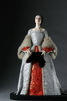 Full Length View of Queen Anne Boleyn in mixed media. Figure from the Museum of Ventura County collection.