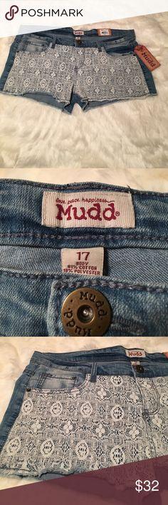 New Mudd crochet shorts size 17 New💗Mudd crochet denim shorts💗size 17 women/juniors nice for the Summer Mudd Shorts